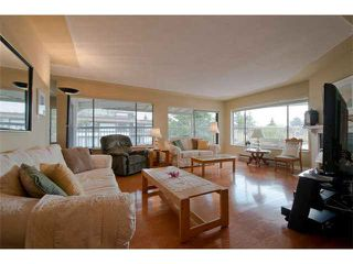 "Photo 3: 401 1424 MARTIN Street: White Rock Condo for sale in ""THE PATRICIAN"" (South Surrey White Rock)  : MLS®# F1416499"