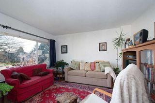 Photo 11: 2043 COLLINGWOOD STREET in Vancouver: Kitsilano House for sale (Vancouver West)  : MLS®# R2044911