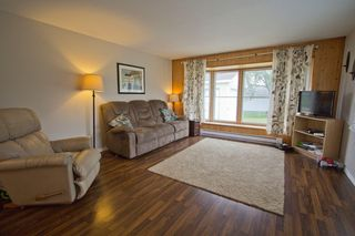 Photo 7: 19 Coronation Avenue: Sackville House for sale : MLS®# M107267