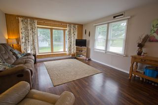 Photo 8: 19 Coronation Avenue: Sackville House for sale : MLS®# M107267