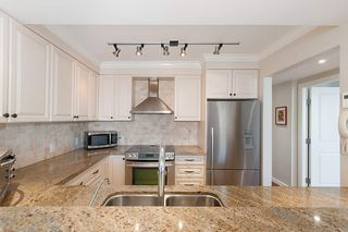 Photo 11: 701 2167 BELLEVUE AVENUE in West Vancouver: Dundarave Condo for sale : MLS®# R2301149