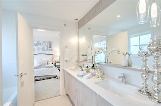 "Photo 11: 44 11188 72 Avenue in Delta: Sunshine Hills Woods Townhouse for sale in ""Chelsea Gate"" (N. Delta)  : MLS®# R2430788"