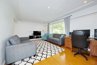 Photo 3: 10491 SEAHAM Crescent in Richmond: Ironwood House for sale : MLS®# R2460067
