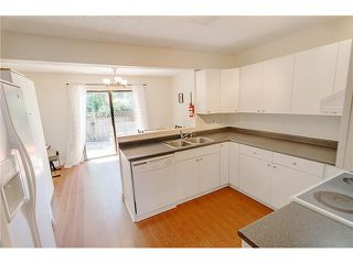 Photo 9: 226 BALMORAL PL in Port Moody: North Shore Pt Moody Townhouse for sale : MLS®# V1010523