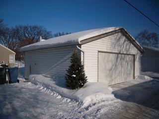 Photo 2: 130 Oakwood Avenue in Winnipeg: Riverview Residential for sale (South Winnipeg)  : MLS®# 1402301