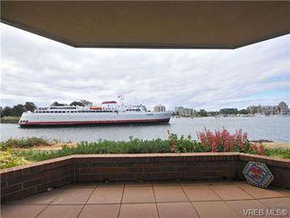 Photo 8: 102 55 Songhees Rd in VICTORIA: VW Songhees Condo for sale (Victoria West)  : MLS®# 677615