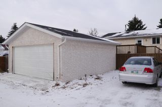 Photo 10: 1056 Chancellor Drive in Winnipeg: Waverley Heights Single Family Detached for sale (South Winnipeg)  : MLS®# 1428063