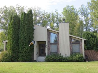 Photo 1: 40 Juniper Drive in Oakbank: Single Family Detached for sale : MLS®# 1528682