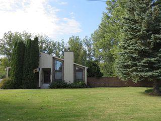 Photo 2: 40 Juniper Drive in Oakbank: Single Family Detached for sale : MLS®# 1528682