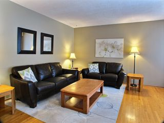 Photo 2: 736 Dale Boulevard in Winnipeg: Charleswood Residential for sale (Winnipeg area)  : MLS®# 1604802