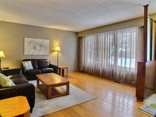 Photo 3: 736 Dale Boulevard in Winnipeg: Charleswood Residential for sale (Winnipeg area)  : MLS®# 1604802