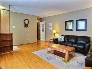 Photo 4: 736 Dale Boulevard in Winnipeg: Charleswood Residential for sale (Winnipeg area)  : MLS®# 1604802