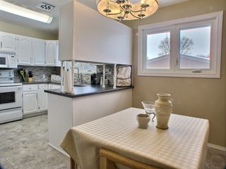 Photo 9: 736 Dale Boulevard in Winnipeg: Charleswood Residential for sale (Winnipeg area)  : MLS®# 1604802