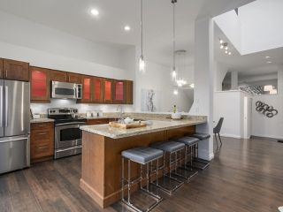 Photo 2: 2863 W 6TH AVENUE in Vancouver: Kitsilano House 1/2 Duplex for sale (Vancouver West)  : MLS®# R2138450