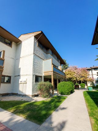 Photo 2: 17 595 Adsum Drive in Winnipeg: Townhouse for sale (4H)  : MLS®# 1914249
