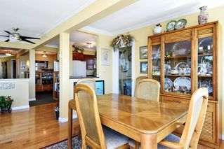 Photo 5: 15585 PACIFIC AVENUE: White Rock House for sale (South Surrey White Rock)  : MLS®# R2370095