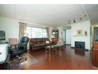Photo 4: 156 1840 160 STREET in Surrey: Grandview Surrey Manufactured Home for sale (South Surrey White Rock)  : MLS®# R2358817