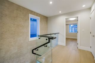 Photo 14: 15448 RUSSELL Avenue: White Rock House for sale (South Surrey White Rock)  : MLS®# R2407605