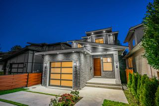 Photo 1: 15448 RUSSELL Avenue: White Rock House for sale (South Surrey White Rock)  : MLS®# R2407605