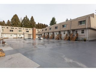 """Photo 1: 15 33293 E BOURQUIN Crescent in Abbotsford: Central Abbotsford Townhouse for sale in """"Brighton Court"""" : MLS®# R2432504"""