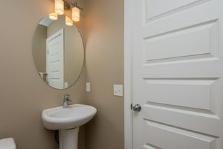 Photo 4: 3355 18B Avenue in Edmonton: Zone 30 House for sale : MLS®# E4189133