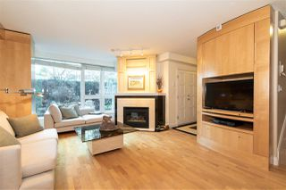 """Photo 2: TH 101 501 NICOLA Street in Vancouver: Coal Harbour Townhouse for sale in """"BAUHINIA-WATERFRONT PLACE"""" (Vancouver West)  : MLS®# R2442935"""