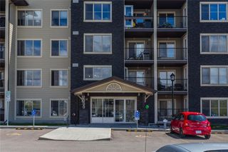 Photo 4: 2401 625 GLENBOW Drive: Cochrane Apartment for sale : MLS®# C4299133