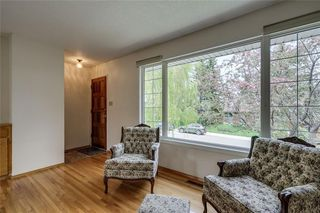 Photo 3: 340 HUNTERBROOK Place NW in Calgary: Huntington Hills Detached for sale : MLS®# C4300148