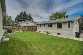 Photo 30: 340 HUNTERBROOK Place NW in Calgary: Huntington Hills Detached for sale : MLS®# C4300148