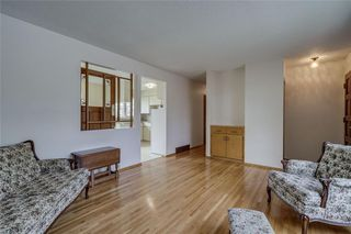 Photo 2: 340 HUNTERBROOK Place NW in Calgary: Huntington Hills Detached for sale : MLS®# C4300148