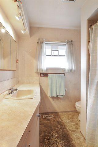 """Photo 17: 95 N GLYNDE Avenue in Burnaby: Capitol Hill BN House for sale in """"Capitol Hill"""" (Burnaby North)  : MLS®# R2489986"""