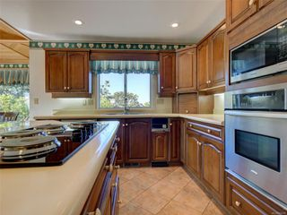 Photo 12: 3677 Kathleen St in : SE Maplewood House for sale (Saanich East)  : MLS®# 856208