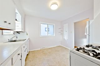Photo 10: 1028 / 1026 39 Avenue NW in Calgary: Cambrian Heights Duplex for sale : MLS®# A1050074