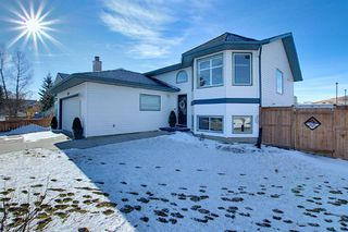 Main Photo: 604 Archibald Way NW: Turner Valley Detached for sale : MLS®# A1059608
