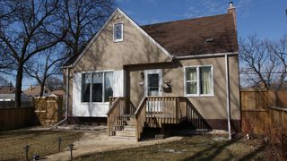 Photo 1: 111 Handyside Avenue in Winnipeg: St Vital Residential for sale (South East Winnipeg)  : MLS®# 1202668