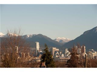 """Photo 1: 620 W 26TH Avenue in Vancouver: Cambie Townhouse for sale in """"GRACE ESTATES"""" (Vancouver West)  : MLS®# V995149"""