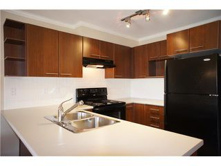 """Photo 7: 318 4833 BRENTWOOD Drive in Burnaby: Brentwood Park Condo for sale in """"MACDONALD HOUSE"""" (Burnaby North)  : MLS®# V1004894"""