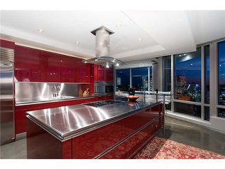 """Photo 8: 3803 1077 W CORDOVA Street in Vancouver: Coal Harbour Condo for sale in """"SHAW TOWER -  COAL HARBOUR"""" (Vancouver West)  : MLS®# V1006517"""