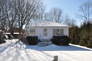Main Photo: : Freehold for sale : MLS®# N2042307