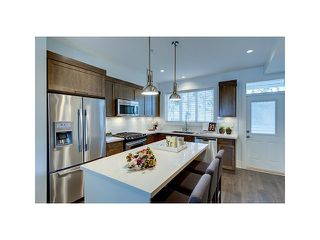 Photo 2: 12161 237 in Maple Ridge: Townhouse for sale : MLS®#  V1096463