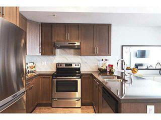 Main Photo: 401 827 Roderick Avenue in Coquitlam: Coquitlam West Condo for sale : MLS®# V1110494