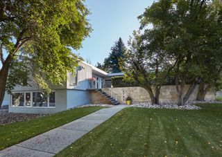 Photo 3: 8711 138 Street NW: Edmonton House for sale