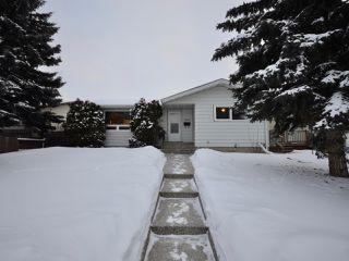 Photo 2: 6811 40 AV NW in Edmonton: Zone 29 House for sale : MLS®# E4143575