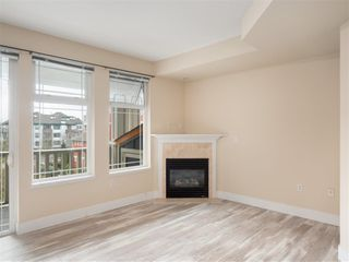 Photo 5: 309-15392 16a Avenue in South Surrey White Rock: Condo for sale (Surrey)  : MLS®# R2315260