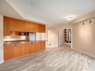 Photo 7: 309-15392 16a Avenue in South Surrey White Rock: Condo for sale (Surrey)  : MLS®# R2315260