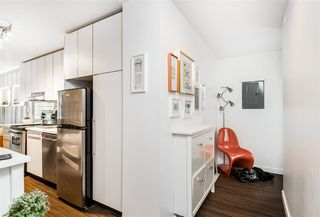 "Photo 17: 301 370 CARRALL Street in Vancouver: Downtown VE Condo for sale in ""21 Doors"" (Vancouver East)  : MLS®# R2404611"