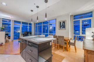 "Photo 3: 808 172 VICTORY SHIP Way in North Vancouver: Lower Lonsdale Condo for sale in ""Atrium East"" : MLS®# R2432389"