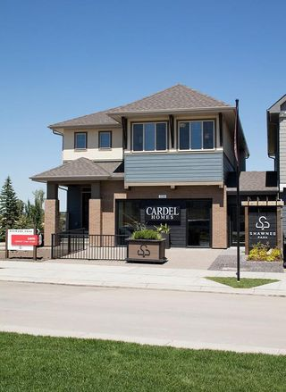 Main Photo: 338 SHAWNEE Boulevard SW in Calgary: Shawnee Slopes Detached for sale : MLS®# C4291561