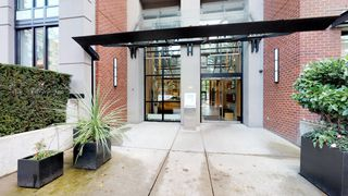 Photo 3: 1710 928 Homer Street in Yaletown Park 1: Yaletown Home for sale ()