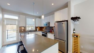 """Photo 2: 9 38684 BUCKLEY Avenue in Squamish: Dentville Townhouse for sale in """"Newport Landing"""" : MLS®# R2457555"""